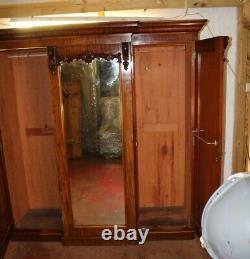 Victorian Mahogany 3 Door Mirrored Breakfront Wardrobe with Slides